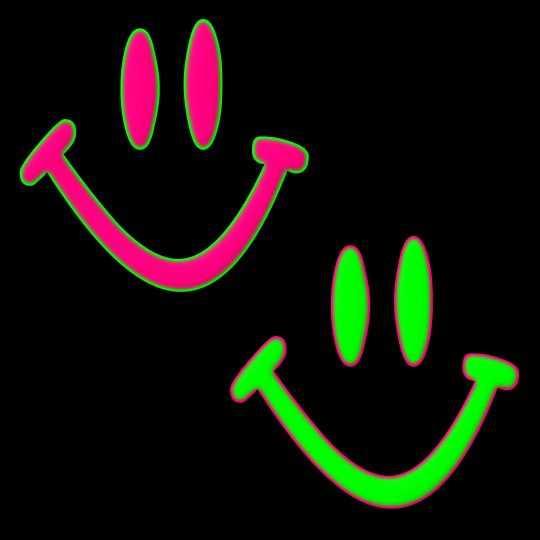 Egy rózsaszín és egy világító élénkzöld smiley